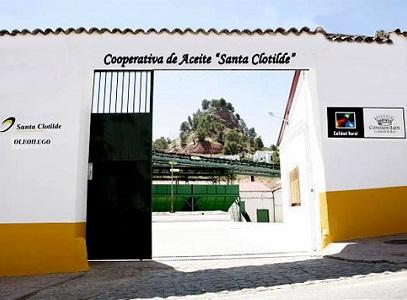 La Sociedad Cooperativa Andaluza Santa Clotilde, se ubica en Santisteban del Puerto, pueblo de la provincia de Jaén, con una historia que comienza en la ERA SECUNDARIA. Toda esta historia ha forjado el carácter de nuestra empresa y nuestros aceites de oliva.